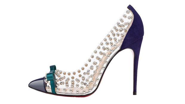 Para completar tu look de invitada, añade unos zapatos de Christian Louboutin con studs.
