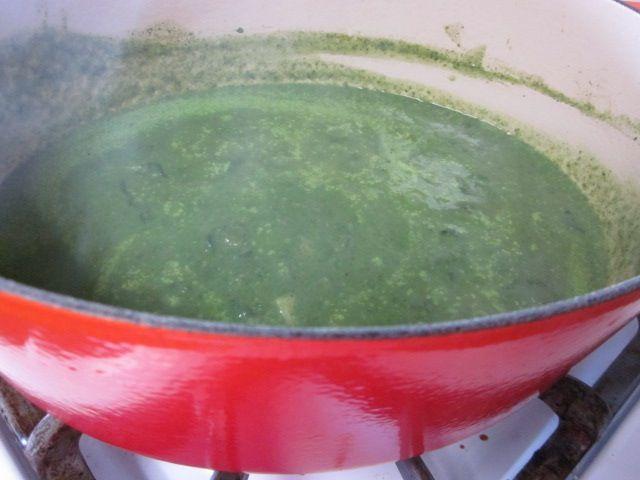 Невыразимая легкость кулинарного бытия...: Суп из шпината с мятой