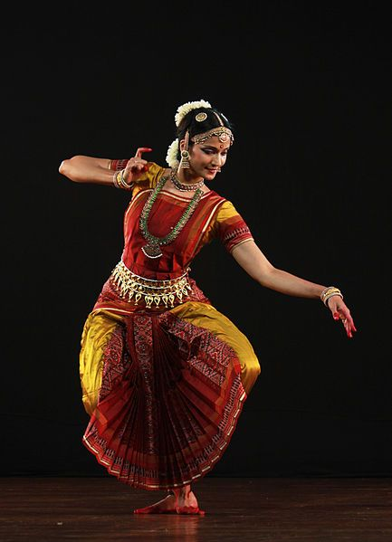 bharatanatyam classical indian dance form She discusses a bharatanatyam dancer's costume, make-up, use of  the  metaphysical concepts that permeate indian classical dance forms.
