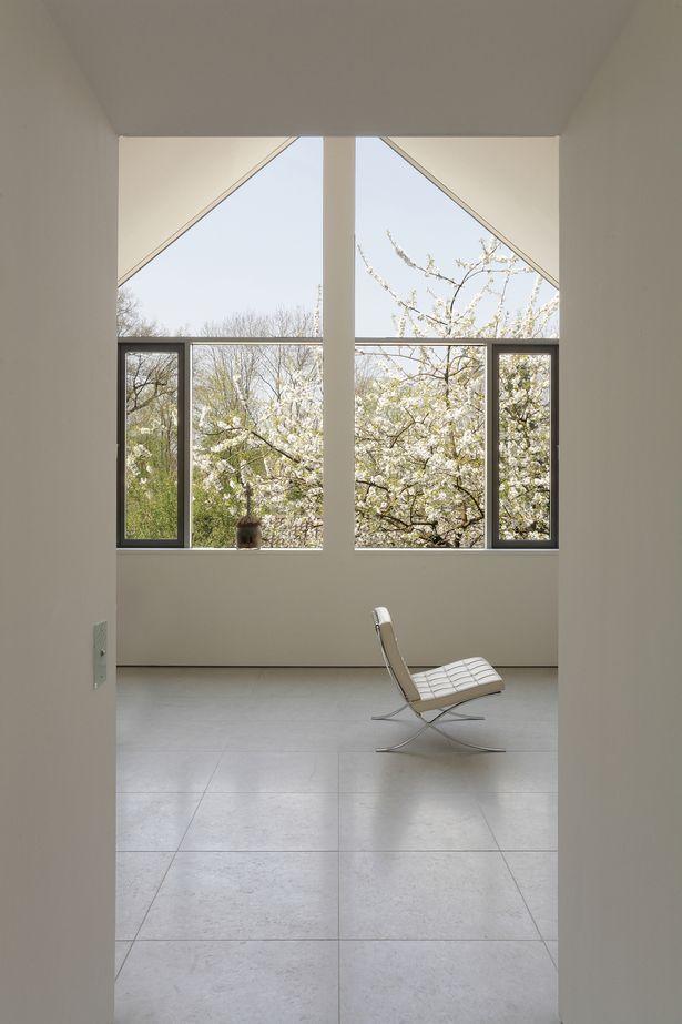 401 best images about minimalism on pinterest office. Black Bedroom Furniture Sets. Home Design Ideas