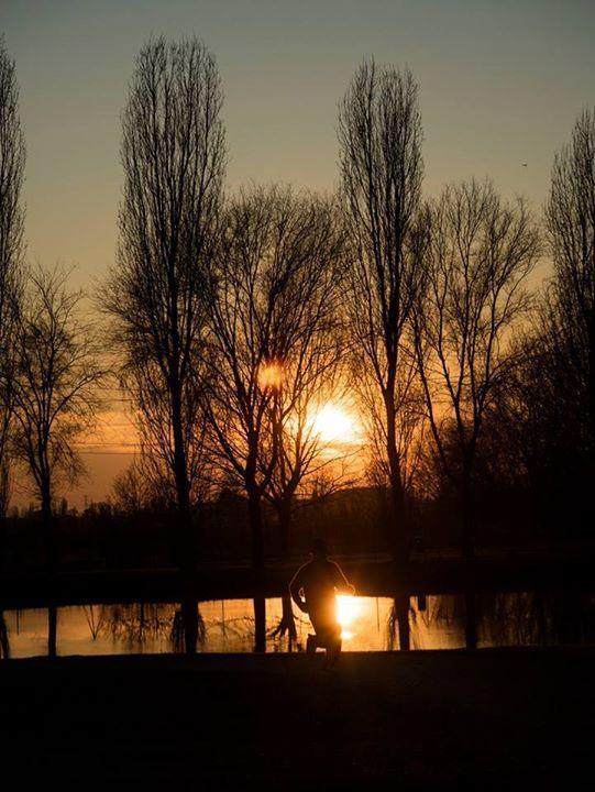 Jogging al tramonto al Parco della Vettabia (Corvetto) Foto di Angelo Scuteri Milano da Vedere