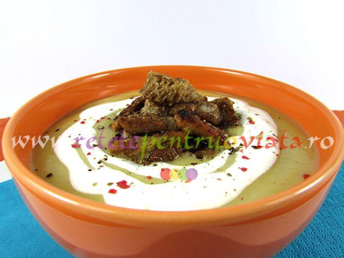 #Reteta de supa crema de cartofi cu telina - o #supa crema gustoasa si aromata servita cu bacon, crutoane si smantana sau iaurt gras.
