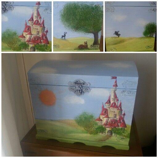 Scatola in legno dipinta a mano