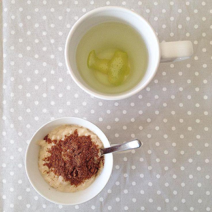 Imaginem um pequeno almoço deliciaaaa... Mingau de aveia (2 colheres de sopa apenas!) com whey de baunilha e canela... Chá de limão!   Resumo da semana: -24kg  by joanaoliveiralopes