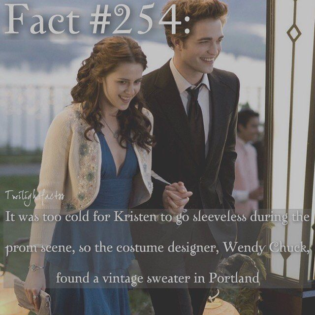 """1,268 Synes godt om, 7 kommentarer – Twilight Facts (@twilightfactss) på Instagram: """"~ Beauty and the Beast is still in theaters. I want to see it, but at the same time I wanna wait…"""""""