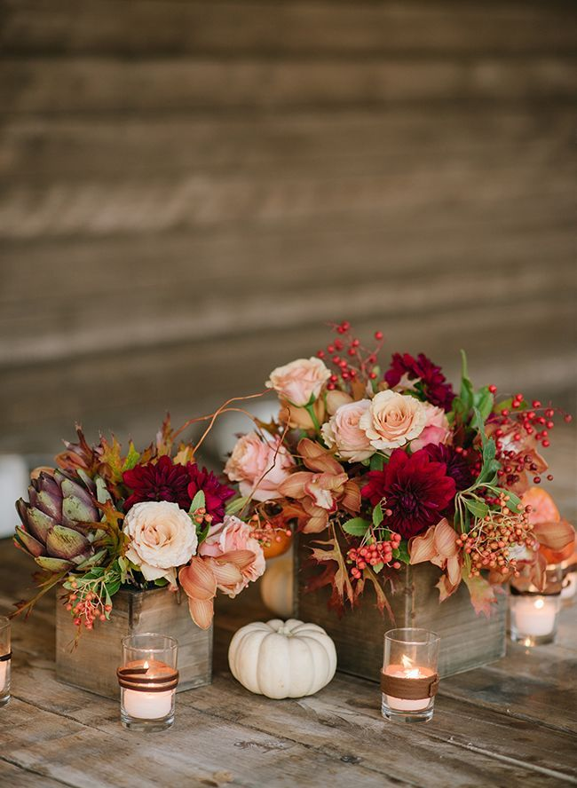 Having an autumn wedding? Incorporate the season with a little pumpkin spice! See how these couples integrated pumpkin wedding decor for inspiration!