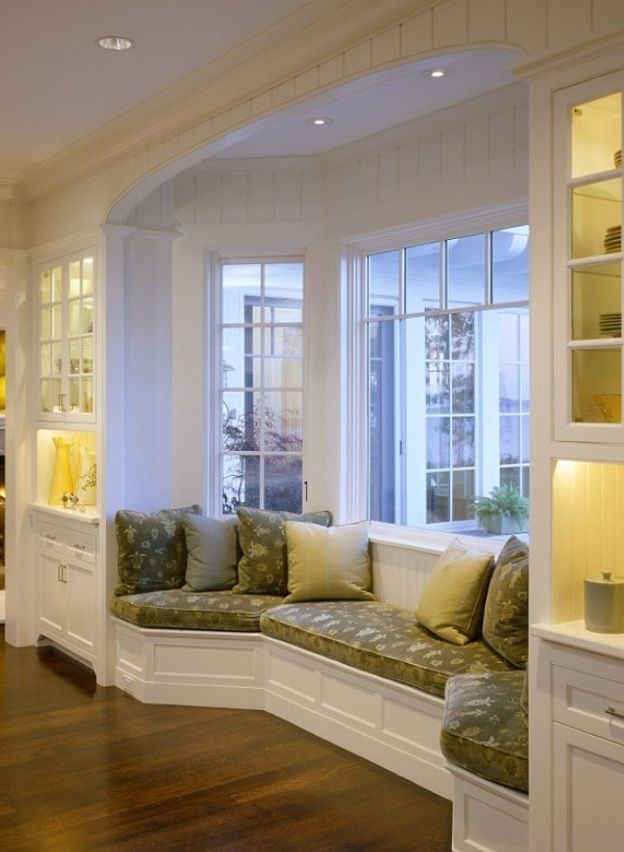 Bay window seating for the home pinterest fen tre for Fenetre bay window
