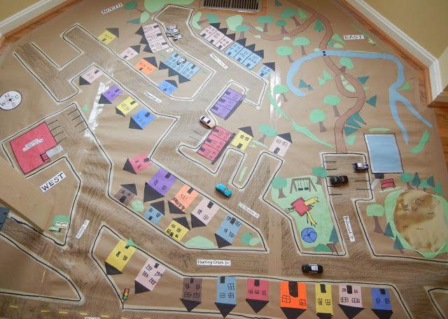 Maak een gedetailleerde kaart van je buurt met je huis, straatnamen, omliggende speelpleinen, het huis van de vriendjes, herkenningspunten en andere favorieten plekken van je kinderen. Zo leren je kinderen spelenderwijs de buurt kennen. Handig.