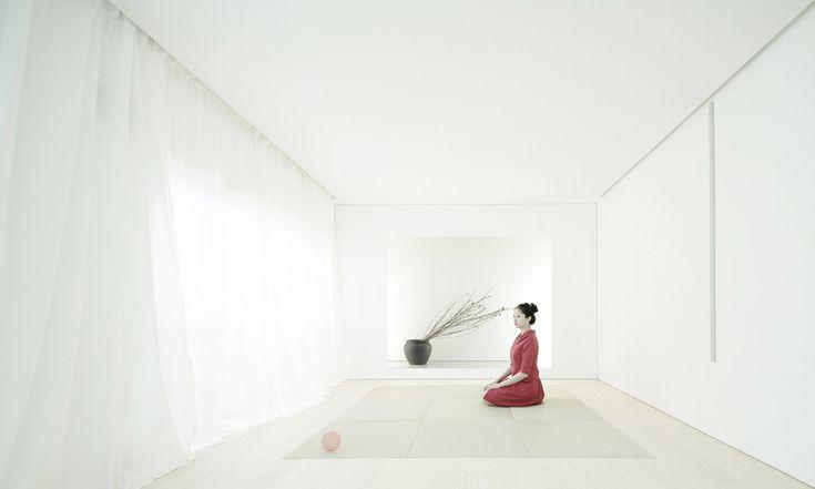 Архитектурная студия Jun Murata / JAM разработала план по реконструкции деревянного дома 1976 года постройки для японской художницы. Это здание в городе Касивара, Япония, с пониманием отнеслось к необходимым обновлению фасада и реорганизации пространства. Теперь оно включает в себя...