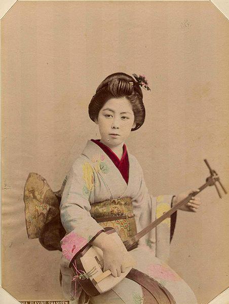 Kusakabe Kimbei (1841-1934) - Geshia Playing Shamisen