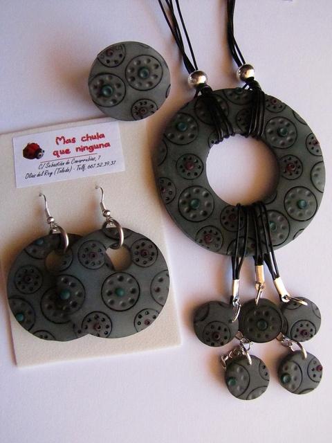 Polymer clay  necklace and earrings - Probando con oleos by Mas chula que ninguna, via Flickr
