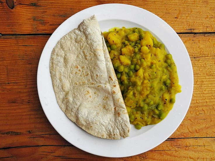 Međuindijskim hlebom veliki je izbor tankoghlebai hleba oblikapalačinke, koji su sastavni deo indijske kuhinje. Njihova varijacija odražava raznolikost