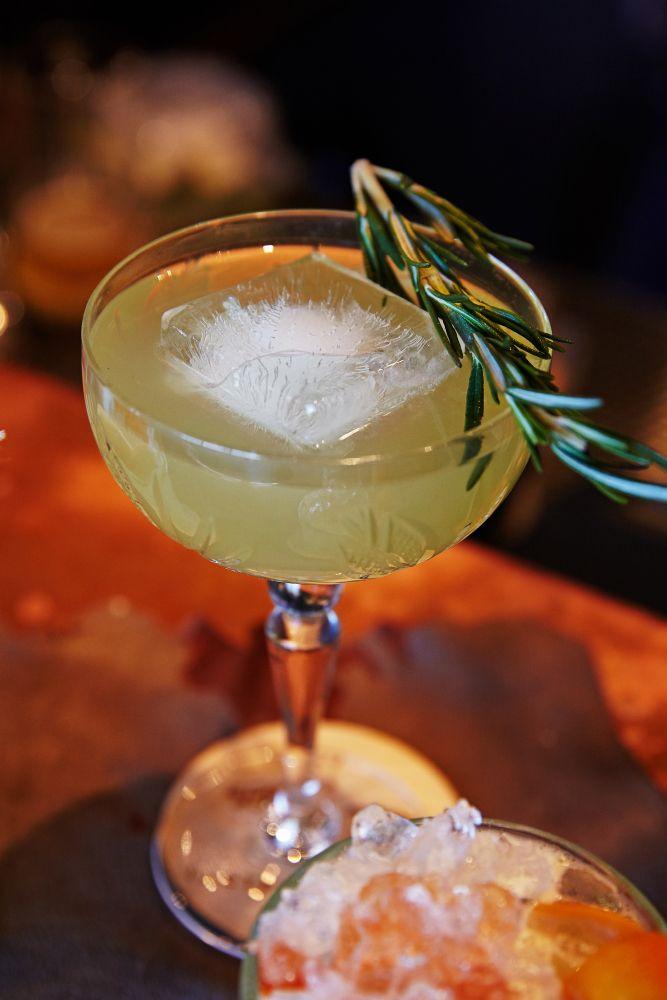 Пятничные детали #гастрономика #cocktail #friday #night #tgif #ginzaproject #drink