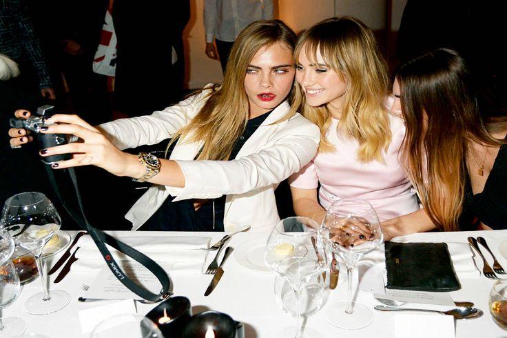 celebrity- selfie