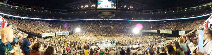 Panorama from my seat at the Moda Center last night http://i.imgur.com/oh5UelJ.jpg #feelthebern #bernie2016 #enoughisenough #westandtogether