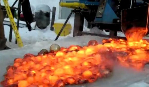 Vídeo del Efecto Leidenfrost en una taza con agua y sobre el hielo