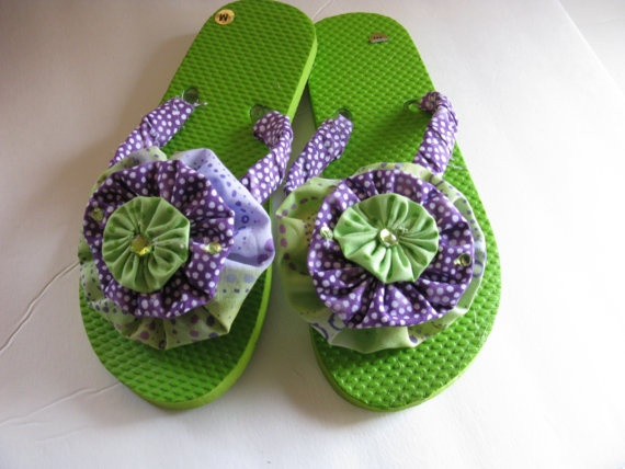 Flip Flops with green and purple yoyo's