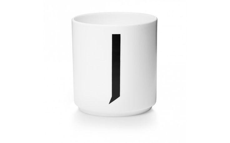 Buchstabenbecher Arne Jacobsen Design Letters