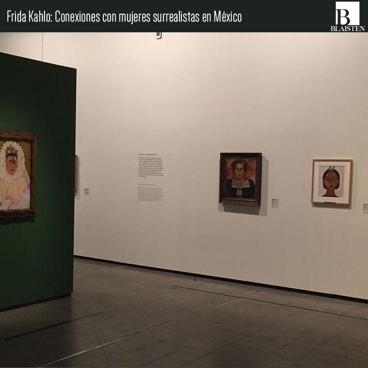 """Parte del montaje en la muestra """"Frida Kahlo. Conexiones con mujeres surrealistas en México""""."""