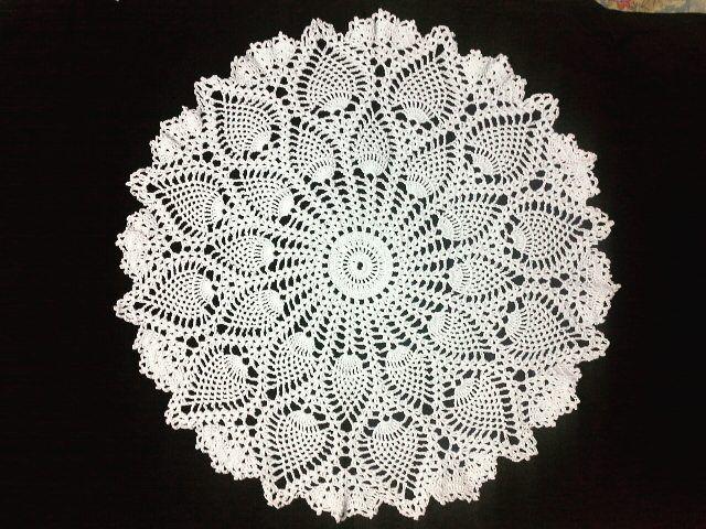 ebe.crochet READY STOCK !!!! Taplak meja bulat Diameter 51 cm  Material : katun  Warna : putih Harga : Rp 150.000 #crochet  #crochetaddict  #crocheting  #instacrochet  #rajut  #rajutan  #sarungbantalrajut #taplak  #taplakmeja  #taplakmejamurah  #taplakmejarajut  #taplakmejarajutan