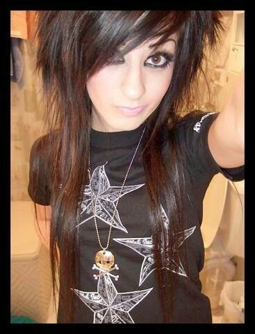 Edgy hair-always kinda loved this style, maybe I'll try it out someday!