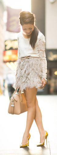 #Moda y #estilo: falda de plumas con camiseta lencera