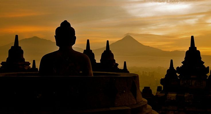amazing  the sun rise from the top of Borobudur temple
