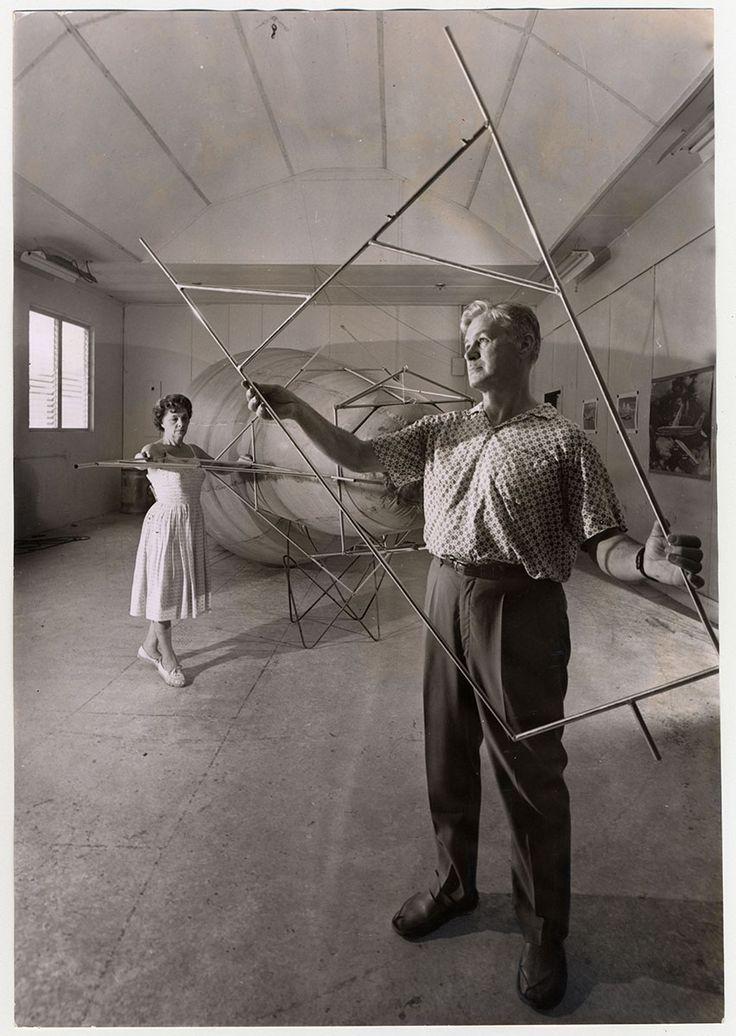 Domina Jalbert a jeho paní, v Aerology Lab.
