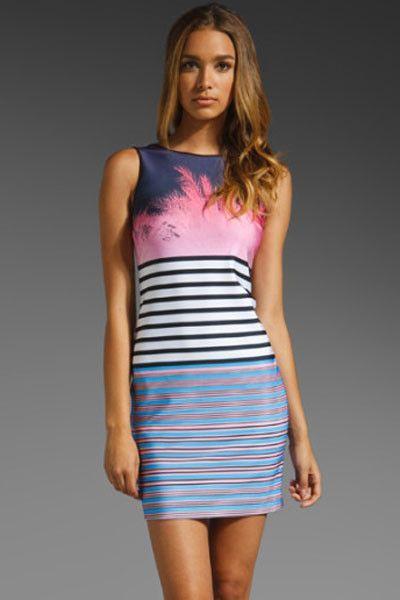 Prix: €10.95 Impression Tank Robe Con Robes Rose Hang Ten Body Modebuy.com @Modebuy #Modebuy #CommeMontre #me #dress #Rose