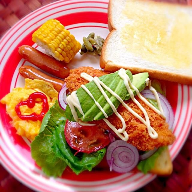 今日もてんこ盛りˉ̡̭̅  ૅ˘็ੋ͈◡ुً☬ཻैั້͈ ˄̻ ̊ - 118件のもぐもぐ - Fish fry sandwichフィッシュフライサンド by Ami