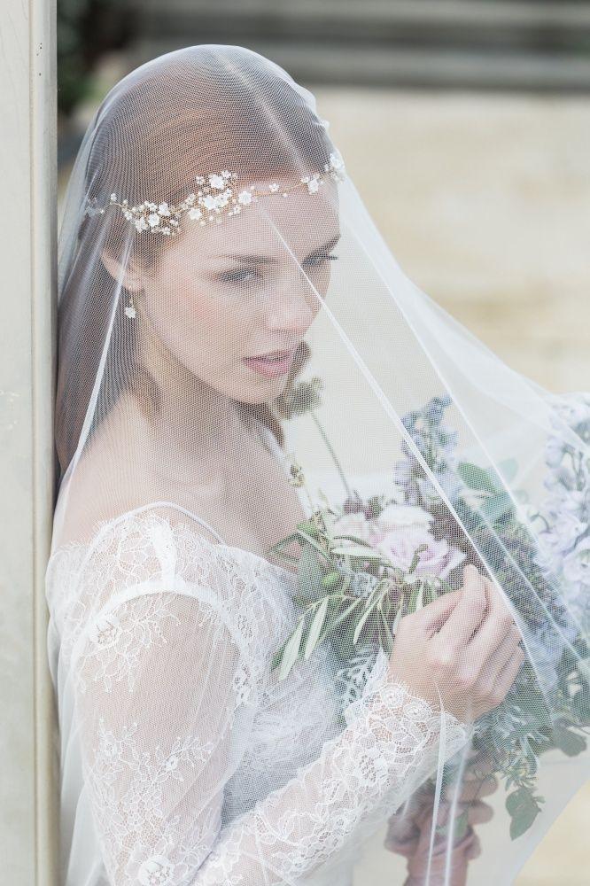 Best 25+ Wedding hair garlands ideas on Pinterest   Ivory ...