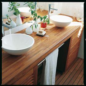Kylpyhuone on aistillinen ja kaunis! http://colornova.fi/