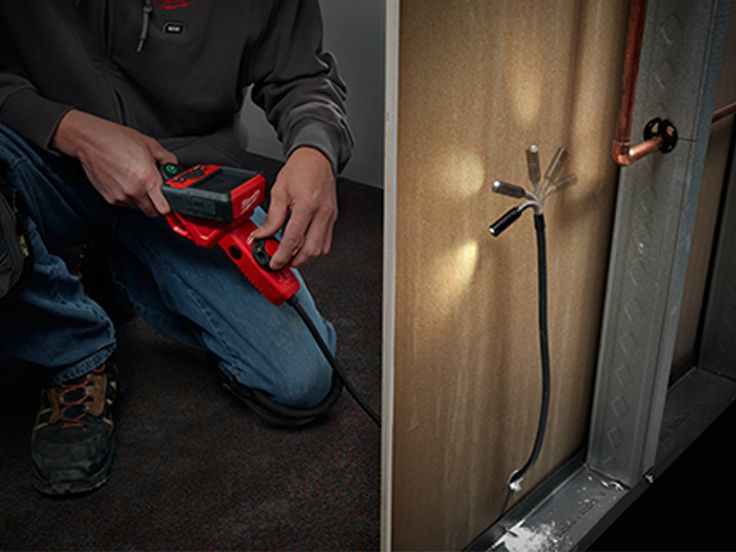 Milwaukee M12 M-Spector Flex System with PIVOTVIEW Camera Head - http://www.protoolreviews.com/tools/electrical/test-and-measurement/milwaukee-m12-m-spector-flex-system/23303/