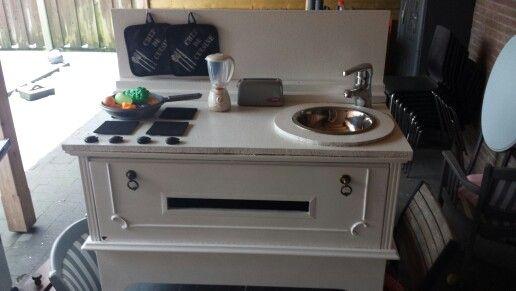 Kinder keuken van tv kast
