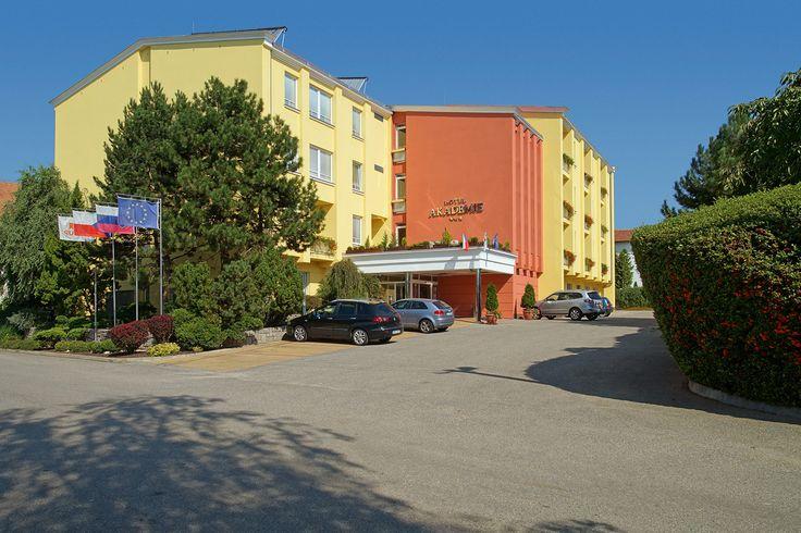 Hotel Akademie - Velké Bílovice  www.hotel-akademie.cz Hotel 3* Superior