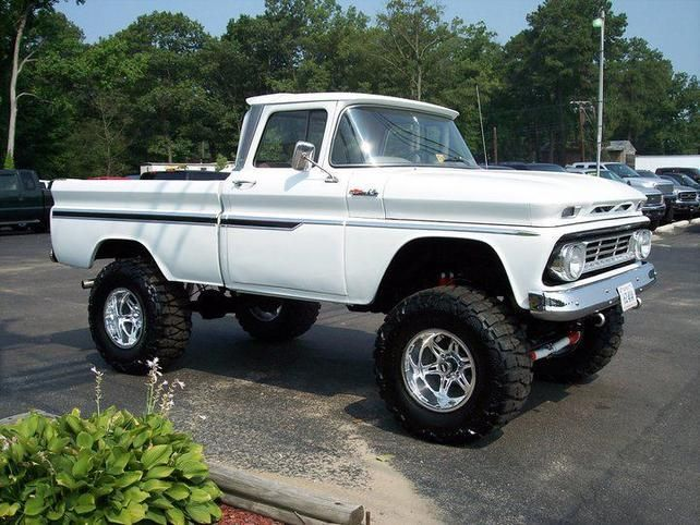 Lifted Chevrolet classic Trucks