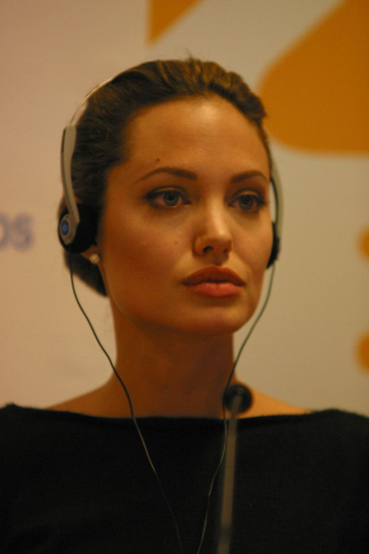 Angie's Rainbow : Angelina Jolie and UNHCR (1)
