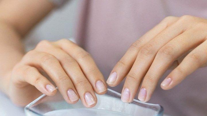 Αφαίρεσε εύκολα το κιτρίνισμα από τα νύχια με απλά υλικά