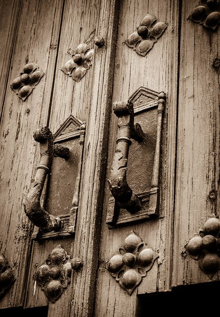 Door handle in Trujillo, Caceres - Spain very cool...just like these