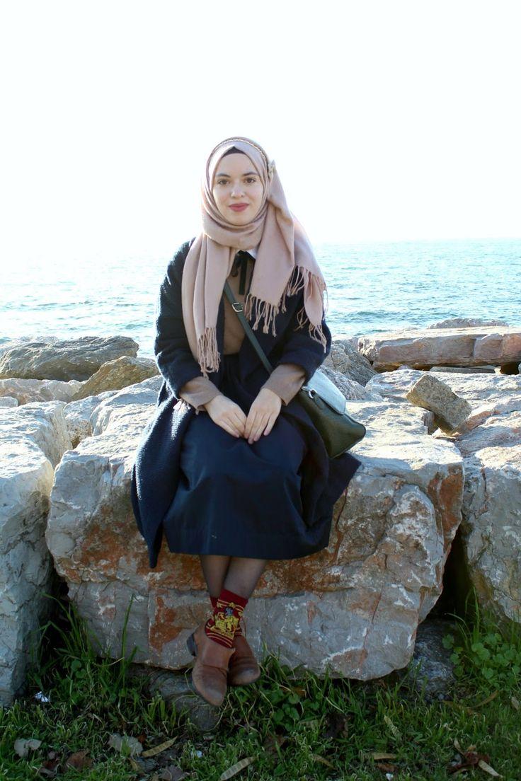 Vintagonista vintage- Newt scamander, harry potter inspired outfit, vintage outfit, vintage hijab style, midi skirt, preppy