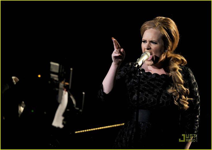 Adele: 'Someone Like You' Performance at VMAs!