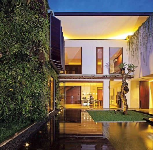 2628 Sister House,© M. Ifran Nurdin