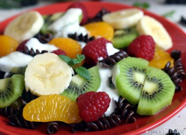 Makaronowa sałatka owocowa.