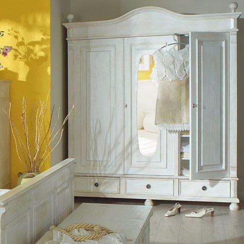 Amazing Landhaus Kleiderschrank Antik wei leicht vanillefarben