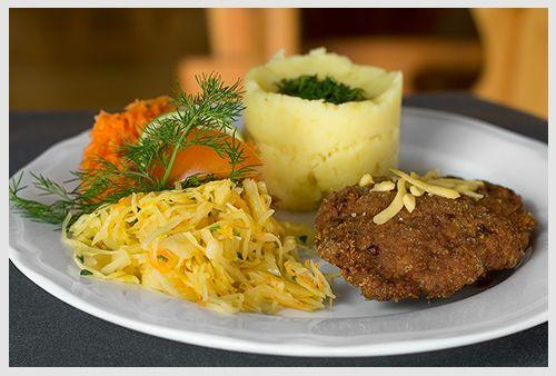 """Kotlet mielony. Restauracja Biesiada z """"Hudym"""" Smalcem Kraków ul. Dobrego Pasterza 8 #food #jedzenie #restauracja #Kraków #kochen  www.biesiada-krakow.pl"""
