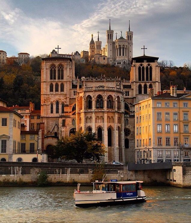 Lyon https://instagram.com/p/BNEAT7Uj_st/