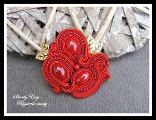 #sutasz #soutache #biżuteria #jewellery Czerwień to jedna z najgorętszych barw:) piękna, dynamiczna i przykuwająca uwagę... Broszka z odrobiną złota
