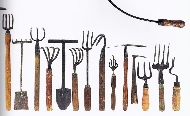 79 best images about garden tools on pinterest gardens for Basic tools for planting