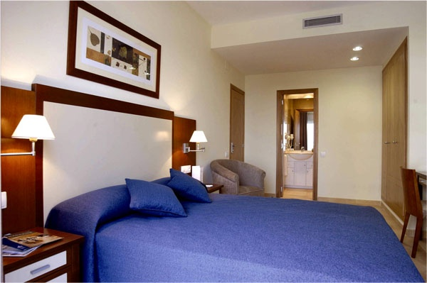 Apartotel Albufera in Valencia Spain, one of the few existing apartment hotels in Valencia, from which you can easily reach the historic city center by bus, car or other public transportation and visit some tourist attractions