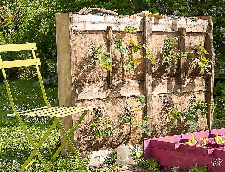 diy faire son potager vertical avec un palette jardin. Black Bedroom Furniture Sets. Home Design Ideas